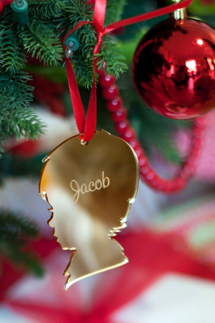Christmas Tree Ornament Gift Idea Give A Unique Personalized Keepsake Gift To Silhouette Christmas Ornaments Christmas Ornaments Gifts Silhouette Christmas