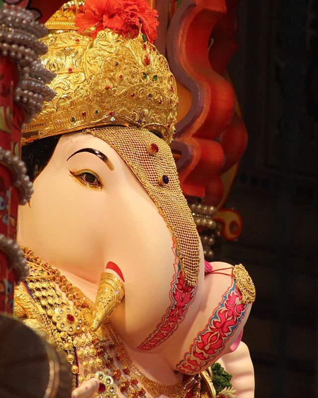 Shri Ganesh Hd Wallpaper: Best 25+ Dagdusheth Ganpati Ideas On Pinterest