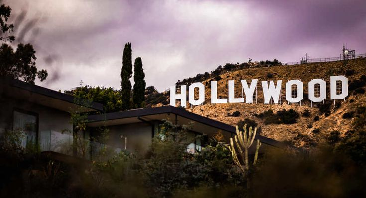 Mottoparty Hollywood – Roll den roten Teppich aus!