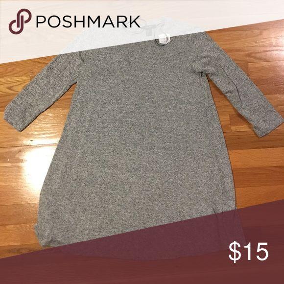 Heather grey, 3/4 length sleeve, flowy dress Never worn!! Heather grey, 3/4 length sleeve, flowy, scoop neck dress Forever 21 Dresses Long Sleeve
