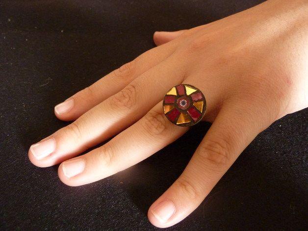 Più - anello regolabile in mosaico rosso\oro - un prodotto unico di mosaicandarts su DaWanda