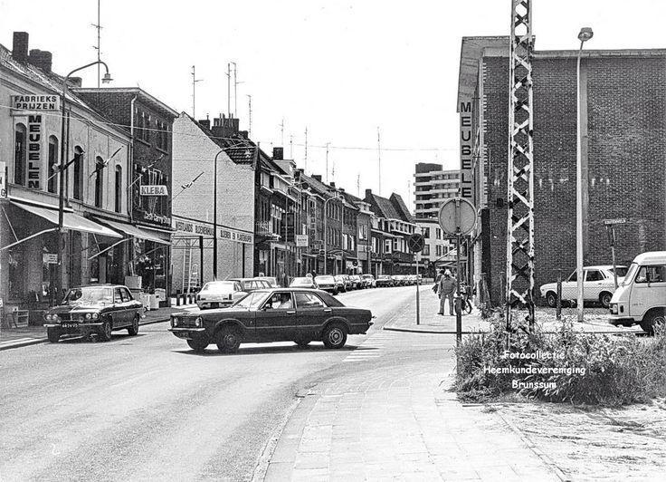Kerkstraat Brunssum jaren 60 kruising koutenveld