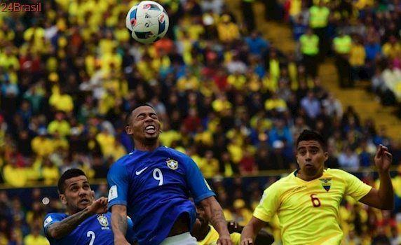 Entrevista ao Esporte Interativo: Daniel Alves compara G. Jesus a Ronaldo e fala sobre jogar no SP