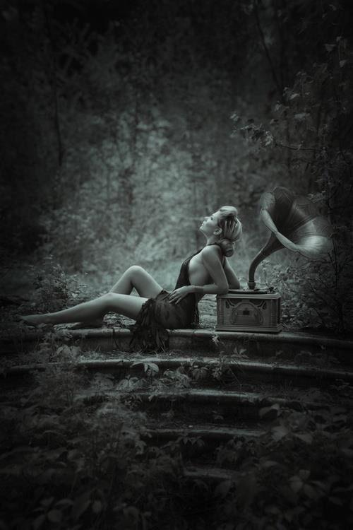 Siyah-Beyaz Romantik,Duygusal Resimler Anlamlı Fotoğraflar,Gifler
