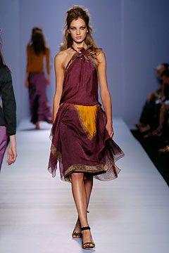 Alberta Ferretti - Spring 2005 Ready-to-Wear - Look 9 of 49