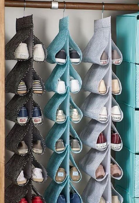 Como Organizar Sapatos: Veja Nossas Dicas + 40 Modelos | Organizar sapatos, Armário para dormitório, Acessórios de decoração para casa