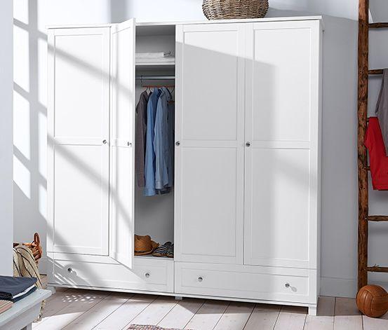 449,00 € Jedes Schlafzimmer freut sich über diesen mit 4 Rahmentüren ausgestatteten Kleiderschrank. Dank großer Schubladenfront, verstellbaren Einlegeböden und Kleiderstange bietet er reichlich Raum. Die Schubladen bewegen sich auf Metallauszügen.