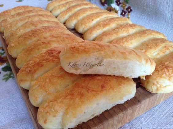 Hogyan süssünk sajtos stanglit otthon?, dagasztógép nélkül sütött sajtos stangli, képes recept, recept fázisfotókkal, Kocsis Hajnalka receptje