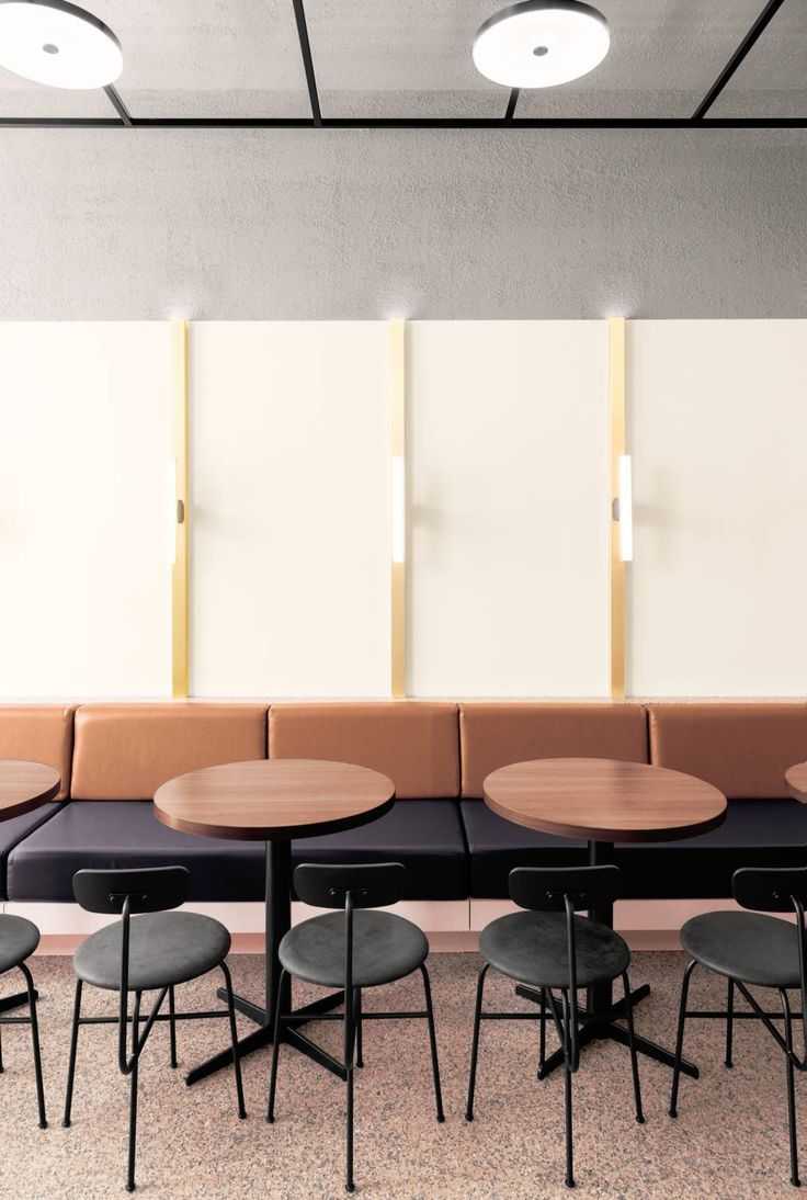 MENU | Afteroom dining chair at the new cafe Signé Extrait in Lyon