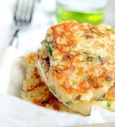 Картофельные оладьи с сыром - Kurkuma project (Проект Куркума) Картофельные оладьи идеально подавать как самостоятельное блюдо со сметаной, как и как гарнир.