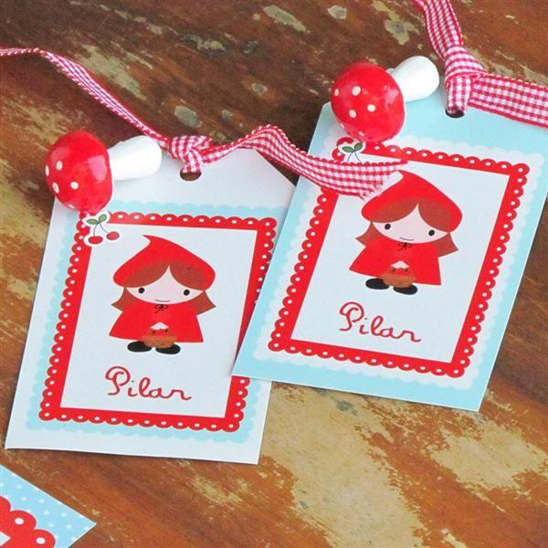 Tags largos Caperucita Roja con cinta 24u - Decoracion Ambientacion Cotillón Fiestas y Cumpleaños