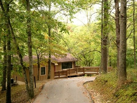 jenny wiley state park in floyd county kentucky offers