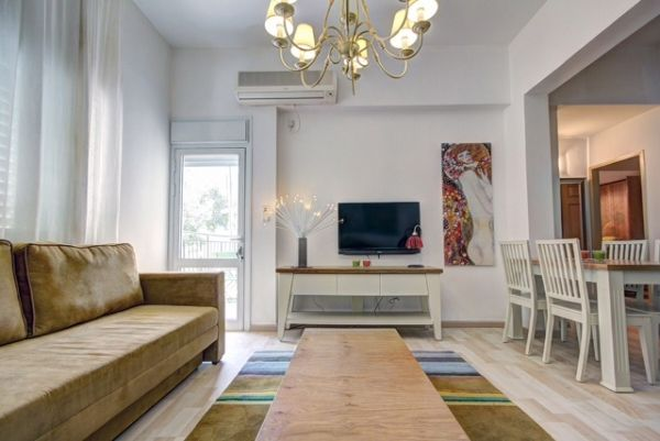 Need an apartment in tel aviv? click here now and you will be redirected to TLV2GO.com - I luv these guys