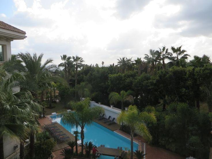 Apartamento de lujo en la Milla de Oro de Marbella. 173 m2, 24 m2 terraza, 3 habitaciones, 3 baños, vistas al mar, piscina, garaje, trastero. Luxury apartment in Marbella´s Golden Mile. 173 m2, 24 m2 terrace, 3 beds, 3 baths, sea views, pool, garage, storage. 860.000 €
