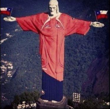 """Los hinchas de la selección chilena publicaron divertidos afiches para celebrar la clasificación de la """"Roja"""" al Mundial de Brasil 2014."""