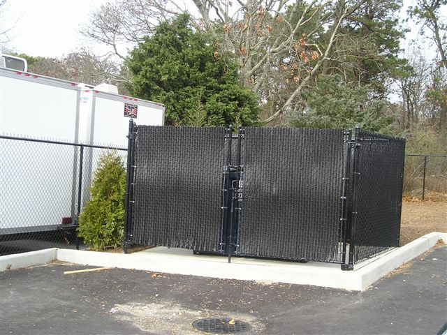 6 Tall Black Chain Link Dumpster Enclosure With Black