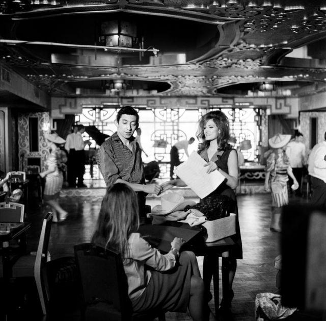 Serge Gainsbourg et Dalida dans le film L'INCONNUE DE HONG KONG