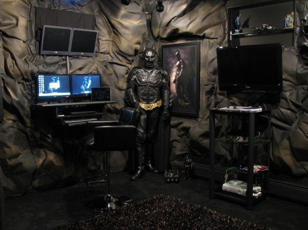 Batman batcave bedroom the batcave batcave pinterest for Man cave bedroom designs