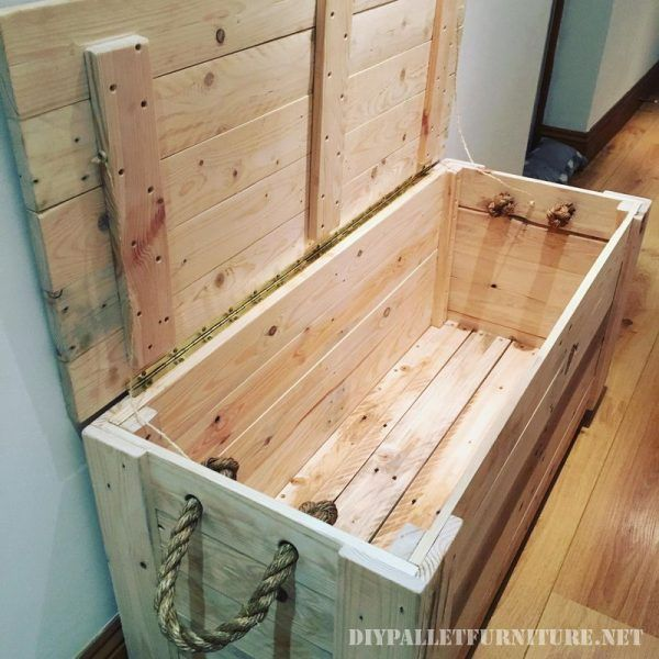 les 25 meilleures id es de la cat gorie coffre bois sur pinterest coffre en bois diy coffres. Black Bedroom Furniture Sets. Home Design Ideas