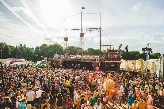 link to article on www.hostelworld.com about 12 alternative UK festivals - want to go to all of these!