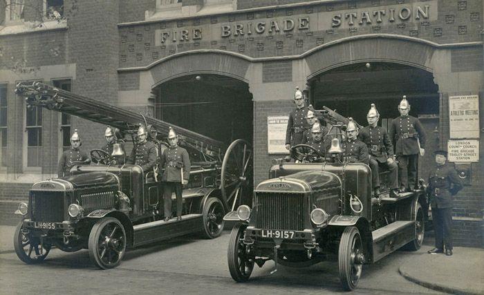 London Fire Brigade - Leyland fire engine motor pump