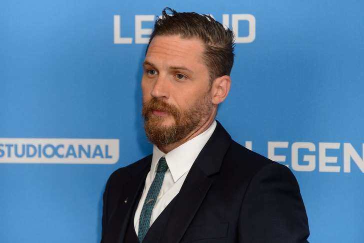 Tom Hardy-TIFF: 'Legend' Star Tom Hardy Throws Back Reporter's Gay Query With Slap Down