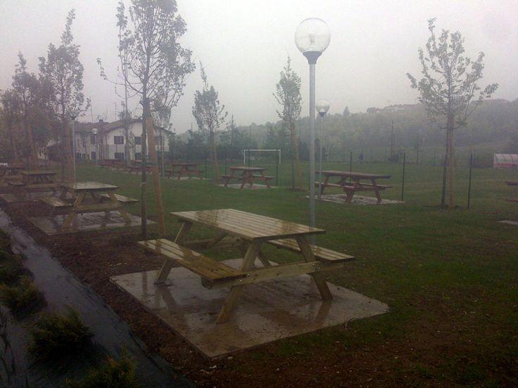 SAND ITALIA – Tavoli picnic con staffe