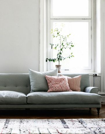 Oscar sofa Design: Matthew Hilton