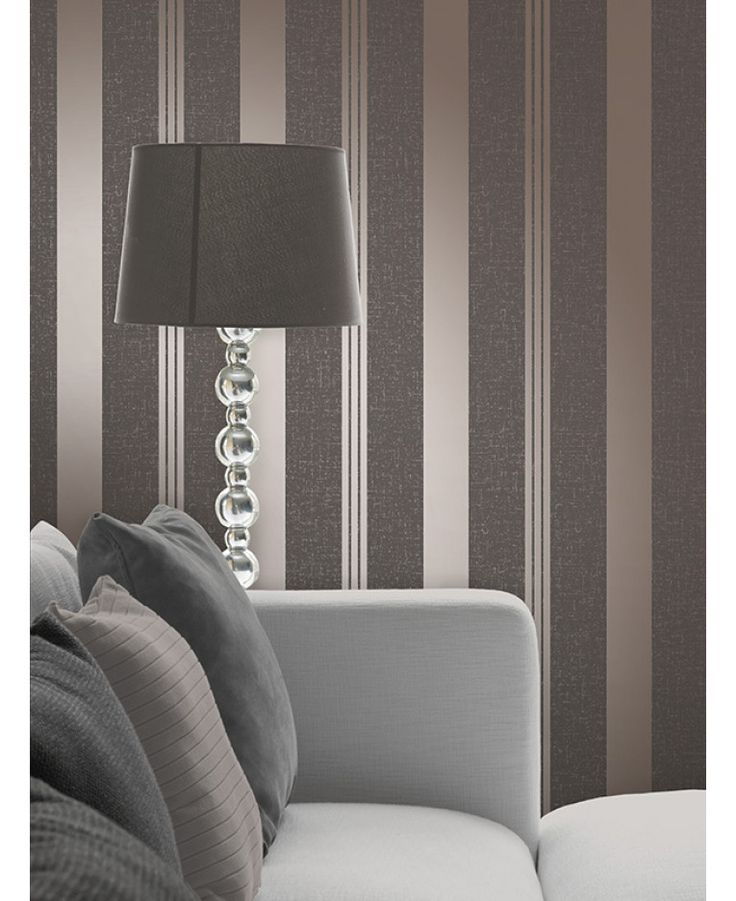 This Quartz Stripe Wallpaper in bronze has alternating stripes of various widths and contrasting finishes with glitter and metallic elements. Free UK delivery available
