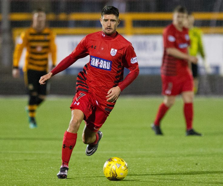 Queen's Park's Paul Woods in action during the Ladbrokes League One game between Alloa Athletic and Queen's Park.