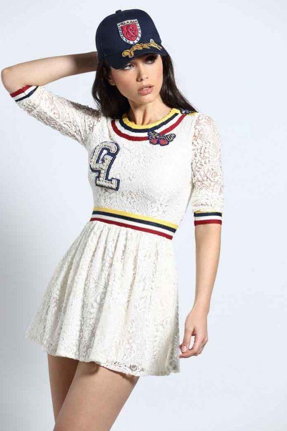 ¿Te gusta el mini  vestido Varsity Blues de  GutsandLove  Disponible en c246af99ee40c