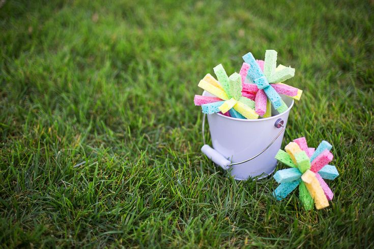 Sponge water bombs tutorial. Great idea for D's splash park birthday party! Safer than water balloons. The Chic Site