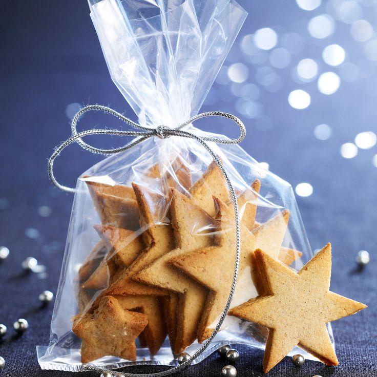 Découvrez la recette Etoiles sablés de Noël sur cuisineactuelle.fr.