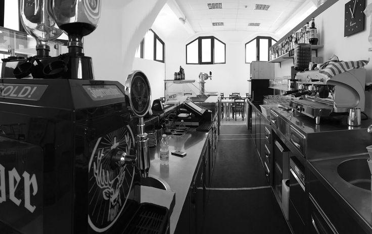 http://etoile-rouge.it/  Consigliatissimo ristorante in Torino.Ottimi primi e secondi piatti,ma soprattutto per i prezzi economici e per i gestori   ristorante etoile rouge in zona san paolo torino - via perosa 32a