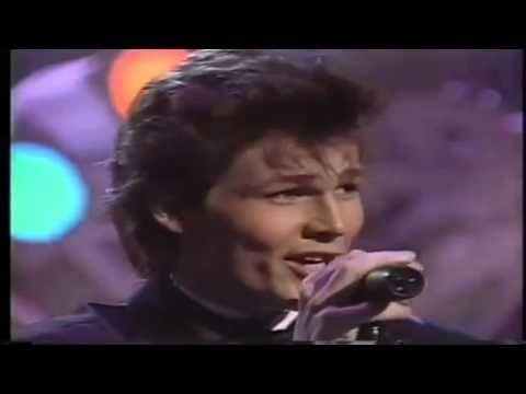 A-HA - Take On Me (LIVE Grammy Awards 1986, 720 HD) - YouTube