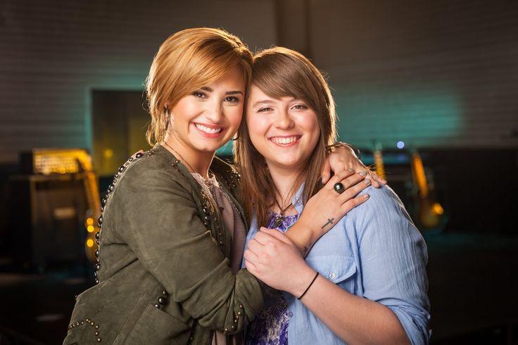 Demi Lovato & Jessie's mentorship episode | 2013 ACUVUE® 1-DAY Contest