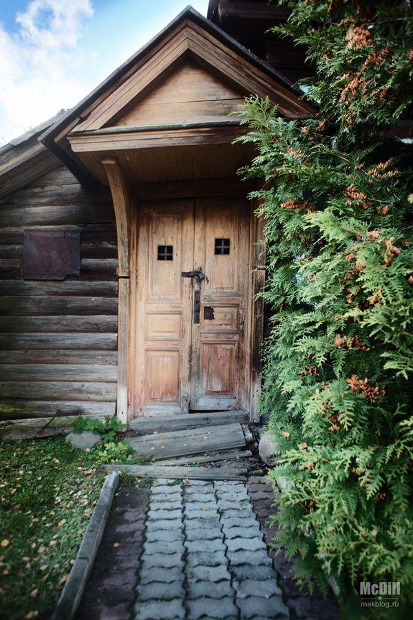 Заброшенный дом в Мышкине мышкин, золотое кольцо, осень