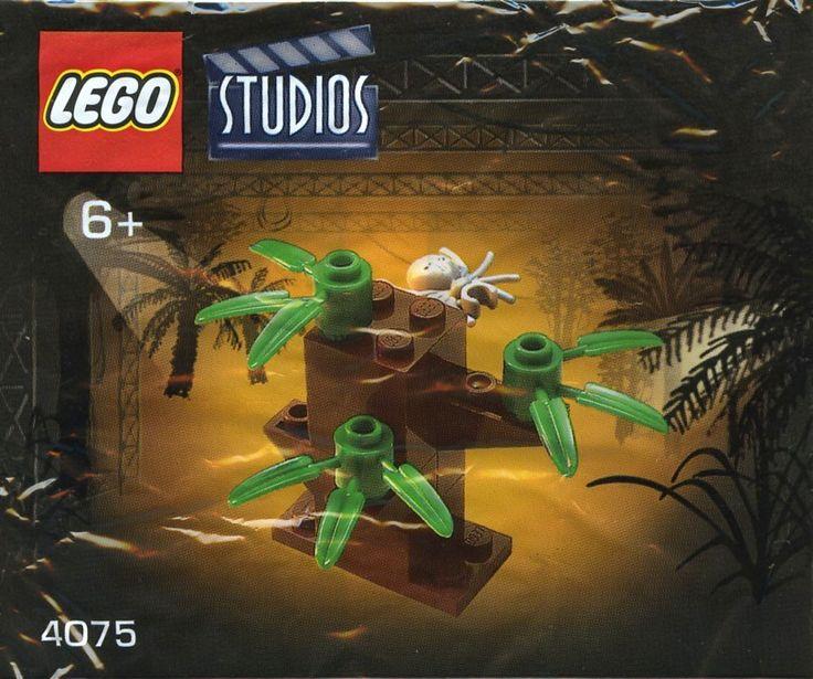 LEGO Studios 4075: Tree 2. Released 2001