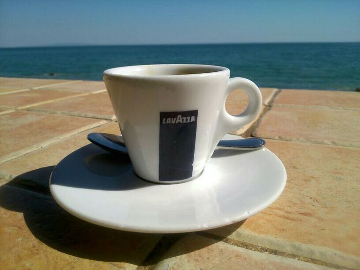 Lavazza in Malibu? Finally not an american style large drink :)