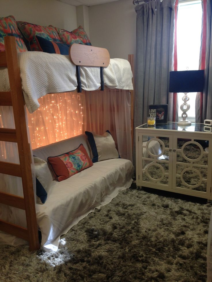 1000 ideas about dorm room rugs on pinterest dorm stuff twin xl comforter and college trunks. Black Bedroom Furniture Sets. Home Design Ideas