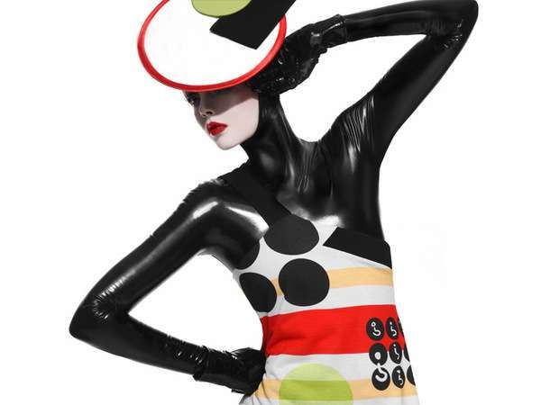 Chic Spandex Suits - Paramita S/S '09 by Paco Peregrin & Kattaca (GALLERY)