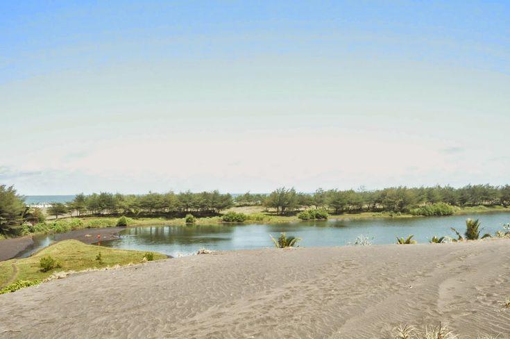 5 Tempat Wisata Pantai Memukau di Jawa Tengah - Jawa Tengah