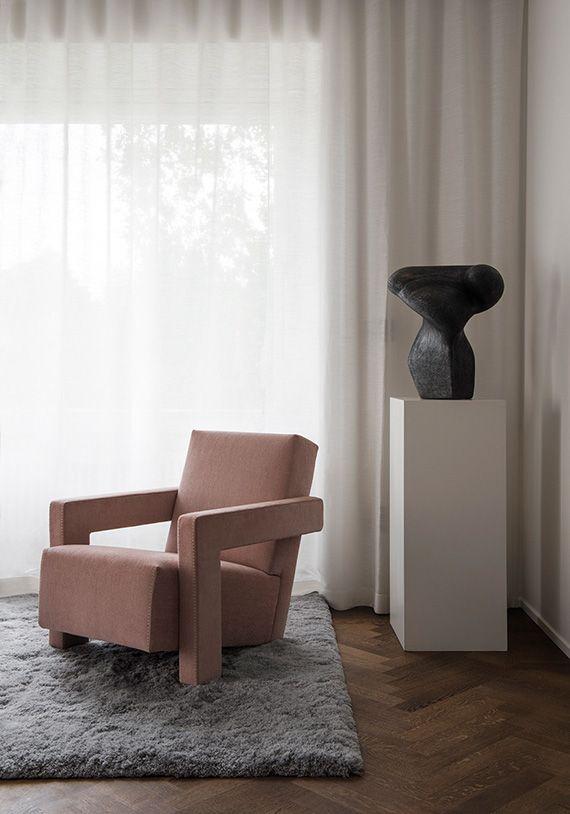 Sculpture on pedestal   Louise Liljencrantz