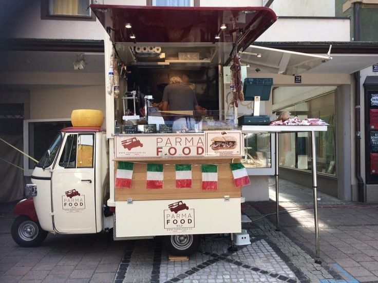 Parma Food Piaggio Van selling typical products from Parma in Stuttgart  #piaggiovan #foodtruck #ham #salami