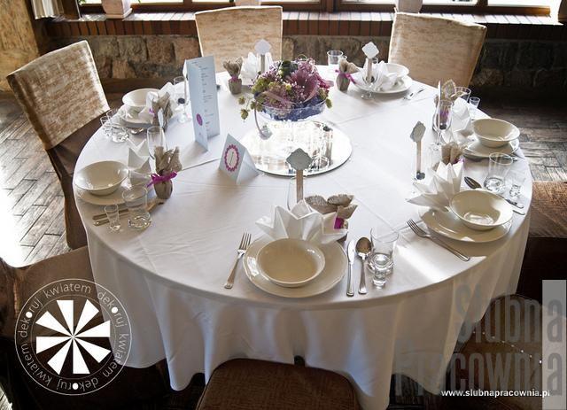 okrągłe stoły weselne