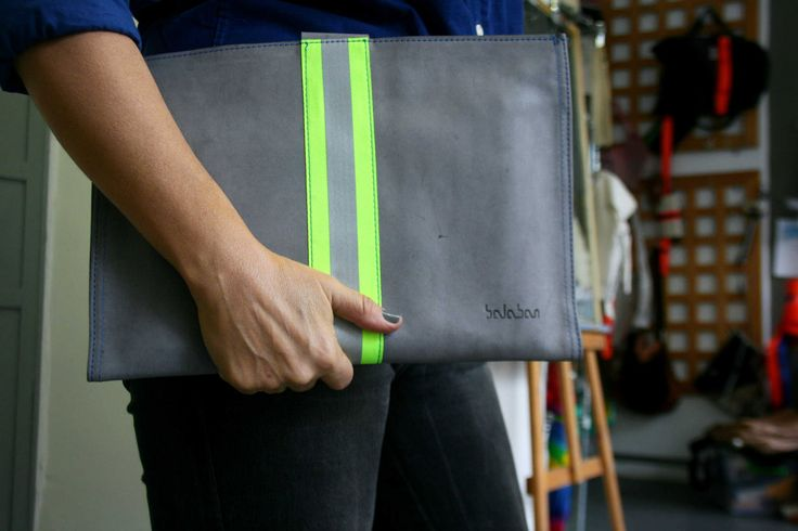 https://flic.kr/p/Der8c6 | balabanbags 16.40 grey leather with phosphor band