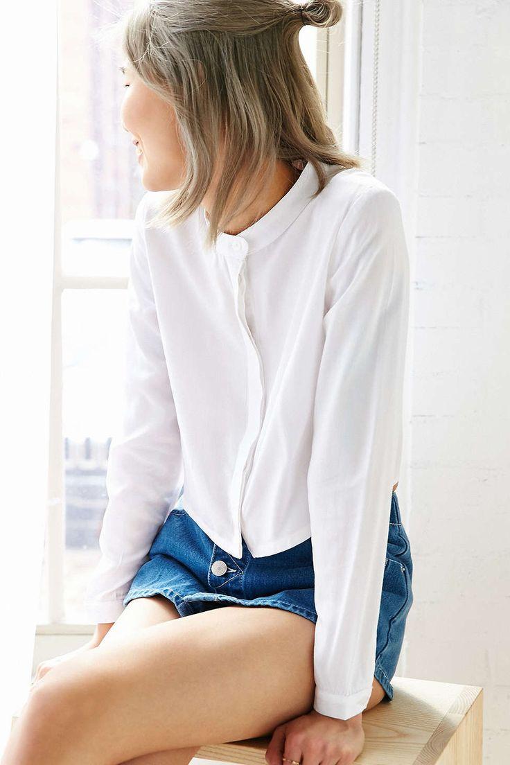 White pepper round collar cropped shirt urban outfitters for Cropped white collared shirt