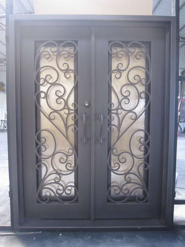 1000 images about doors on pinterest wine cellar for Portones de entrada principal