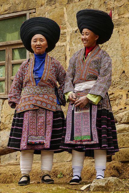 Baixing Miao ladies China - zuidwest China - Guizhou - village LAO ZHAI ZI - Baixing Miao - Qing Miao