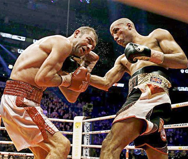 James DeGale outpoints Lucian Bute http://www.boxingnewsonline.net/boxing-results-james-degale-outscores-lucien-bute/ #boxing #DeGaleBute Photo @moosh001